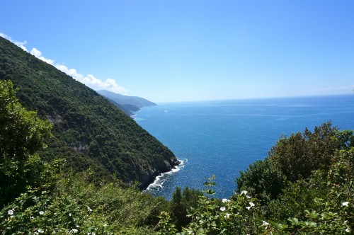View on the hike from Monterosso to Vernazza in Cinque terre